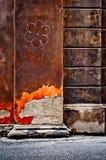 Dessin de fleur sur un vieux mur Photo libre de droits