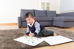 Dessin de petit garçon photographie stock libre de droits