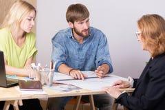 Dessinateurs d'intérieurs préparant le projet Images stock