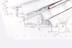 Dessins architecturaux, rouleaux de modèles avec la règle Photo stock