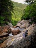 Dessus d'une cascade de montagne Images libres de droits