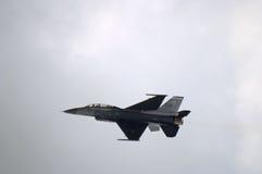 Dessus de l'avion à réaction F-16 Images stock