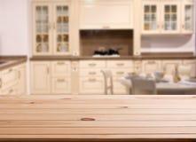 Dessus de l'espace en bois de table et de cuisine Photo stock
