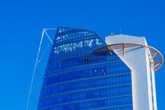 Dessus de l'hôtel de MVL contre un ciel bleu clair Photographie stock