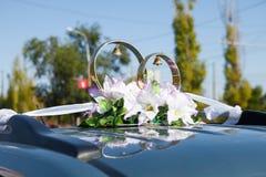 Dessus de la voiture de mariage Image stock