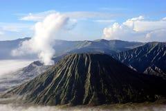 Dessus de montagne Bromo images stock