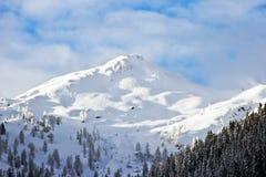 Dessus de montagne d'Alpes photographie stock