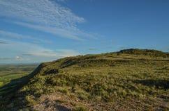 Dessus de montagne et un ciel bleu Image stock