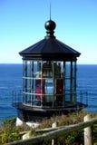 Dessus de phare avec l'océan à l'arrière-plan un jour sans nuages photo stock