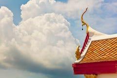 Dessus de toit décoratif de temple Images libres de droits