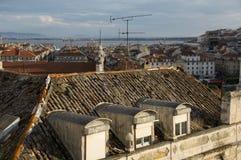 Dessus de toit dans Baixa Lisbonne Image libre de droits