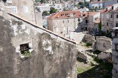 Dessus de toit dans la ville murée de Dubrovnic en Croatie l'Europe Dubrovnik est surnommé perle de ` de l'Adriatique Images stock