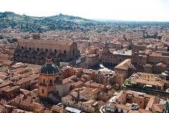 Dessus de toit de Bologna de la vieille ville Photo libre de droits