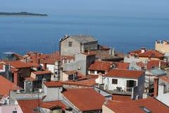 Dessus de toit de Piran photographie stock libre de droits