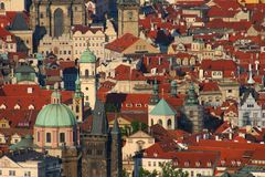 Dessus de toit de Prague Photographie stock