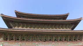 Dessus de toit de temple de Yakchunsa de bouddhisme Images stock
