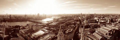 Dessus de toit de ville de Londres image libre de droits