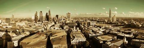 Dessus de toit de ville de Londres photographie stock libre de droits