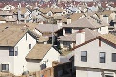 Dessus de toit des maisons images libres de droits