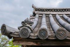 Dessus de toit japonais traditionnel images stock