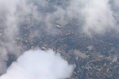 Dessus de vue aérienne sur la ville à Bangkok Thaïlande le ciel bleu opacifie, ciel bleu avec le nuage photographie stock libre de droits