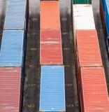 Dessus des conteneurs de marchandises photo stock
