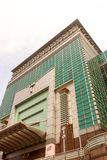 Dessus du bâtiment le plus grand de Taïpeh 101 avec le ciel blanc à Taïwan images libres de droits