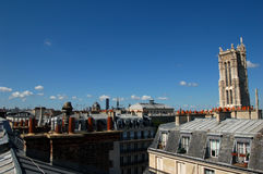 Dessus parisien de toit images libres de droits