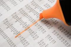 Destacando preços das acções imagens de stock