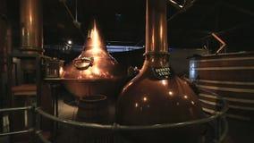 Destilação tripla Jameson Distillery Tours idoso