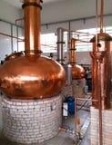 Destilaria do artesão de Cachaça da cana-de-açúcar fermentada Bebida alcoólica fotos de stock royalty free