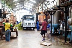 A destilaria do ylang de Ylang, intrometido seja, Madagáscar Imagens de Stock Royalty Free