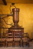 Destillierkolben, zum des Weins zu destillieren Lizenzfreie Stockfotografie