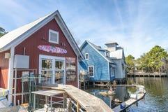 DESTIN, FL - FEBRUAR 2016: Bunte Häuser O Harborwalk-Dorfs Stockfotografie