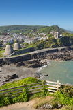 Destination de touristes BRITANNIQUE du nord d'Ilfracombe Devon England en été Photo stock
