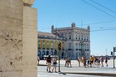Destination guidée de Lisbonne Portugal de place de Comercio pendant le D photo stock