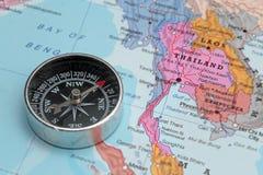 Destination Thaïlande, carte de voyage avec la boussole Images libres de droits