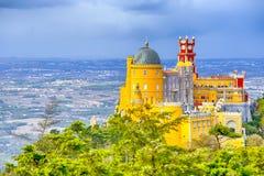 Destinationer för lopp för världsarv Forntida Pena slott av konungen Family i Sintra, Portugal royaltyfri foto