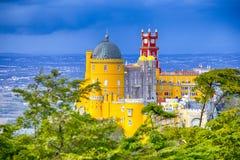 Destinationer för lopp för världsarv Forntida Pena slott av konungen Family i Sintra, Portugal arkivfoto