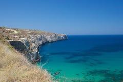 Destino del viaje en Malta - Bahrija, la belleza de la bahía de Fomm ir Rih, Bahrija, Malta Días de fiesta en Malta Foto de archivo