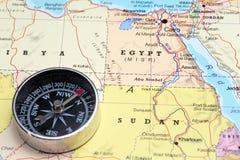 Destino Egito do curso, mapa com compasso Fotos de Stock Royalty Free