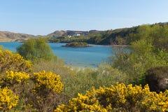 Destino escocês litoral bonito BRITÂNICO do turista de Escócia da costa de Morar situado ao sul de Mallaig fotos de stock