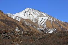 Destino y punto de vista popular Tserko Ri del viaje Langtang nacional Imagenes de archivo