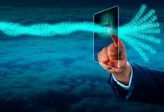 Destravando um córrego de dados virtuais através do tela táctil fotos de stock royalty free