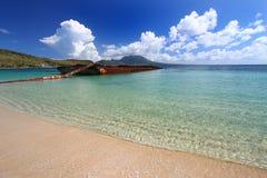 Destruído barge dentro o louro do major (Saint Kitts) Fotos de Stock Royalty Free