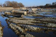 Destruição da rio-cama do rio Foto de Stock Royalty Free