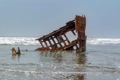 A destruição de Peter Iredale, cuspe de Clatsop perto do forte Stevens mim fotos de stock