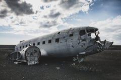 Destruição do avião do lado direito Em Islândia no verão fotos de stock