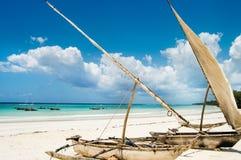 Destruições na praia foto de stock royalty free
