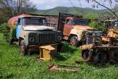 Destruições oxidadas do carro do oldtimer imagens de stock royalty free